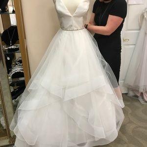 💍Ball gown💍Wedding dress!!🎊(Belt not included)